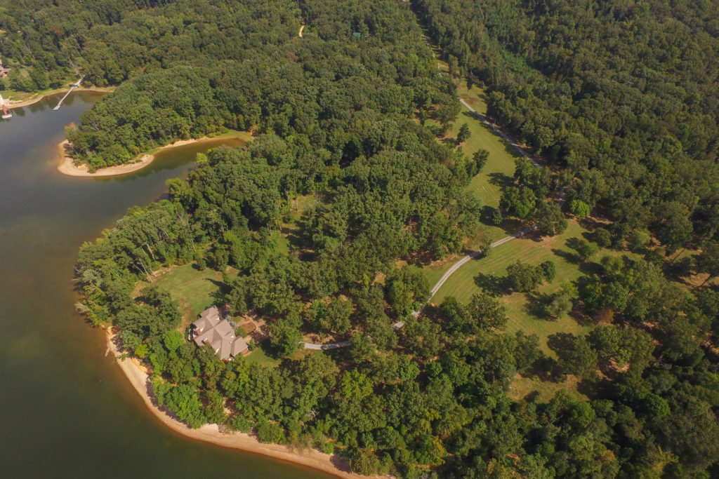 Video: Private Haven sits on over 317 Acres on Kentucky Lake